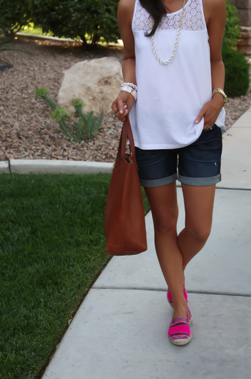 J.Crew Pink Espadrilles, Gap Sexy Boyfriend Shorts, White Necklace, White Bracelet, Madewell Tote 4