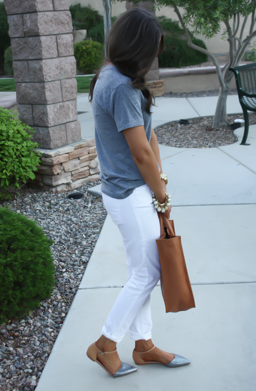 White Skinny Jeans, Relaxed Grey Tee, Flats, Madewell 15