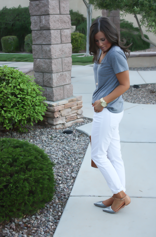 White Skinny Jeans, Relaxed Grey Tee, Flats, Madewell 23