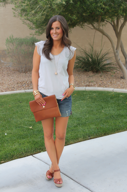 The Shopping Mama : Jeans and A (Not-So-Basic) Tee