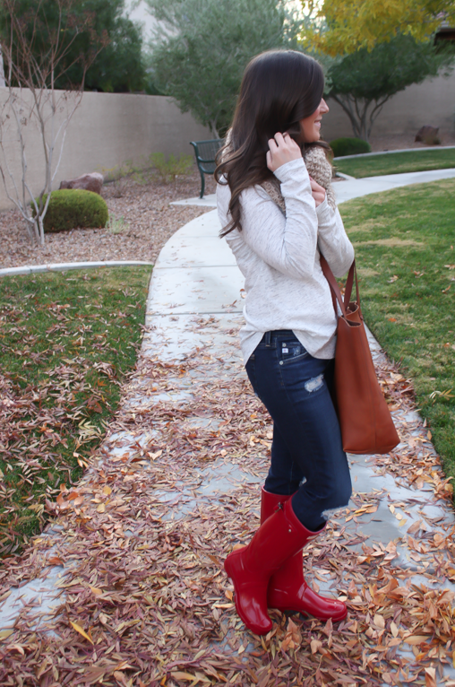 Chunky Infinty Scarf, Distressed Skinny Jeans, Red Wellies, Cognac Tote, Old Navy, AG Jeans, Hunter Boots, Madewell 11