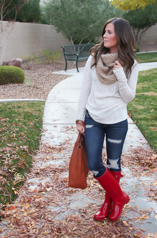 Chunky Infinty Scarf, Distressed Skinny Jeans, Red Wellies, Cognac Tote, Old Navy, AG Jeans, Hunter Boots, Madewell 2