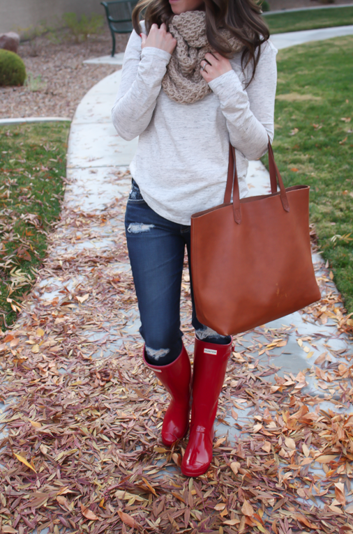 Chunky Infinty Scarf, Distressed Skinny Jeans, Red Wellies, Cognac Tote, Old Navy, AG Jeans, Hunter Boots, Madewell 7