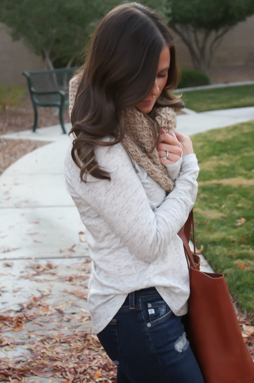 Chunky Infinty Scarf, Distressed Skinny Jeans, Red Wellies, Cognac Tote, Old Navy, AG Jeans, Hunter Boots, Madewell 9