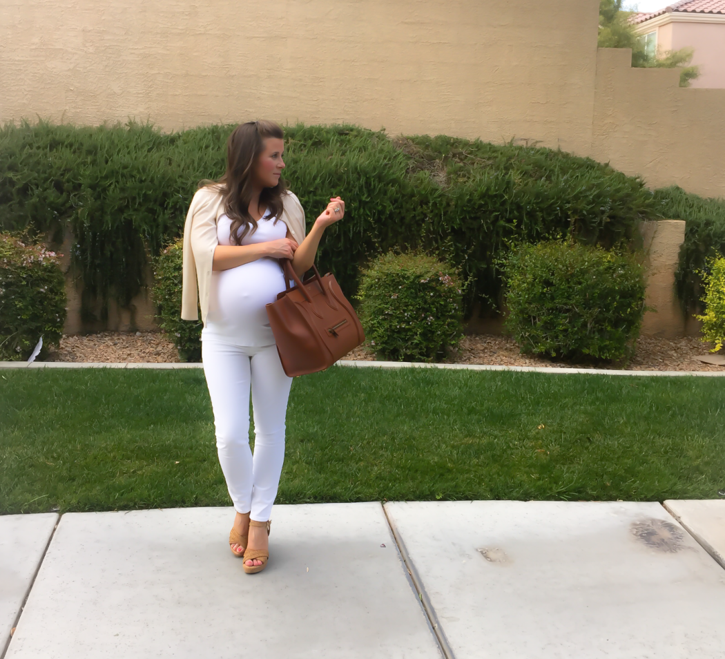 Nordstrom Minimalist Style, White Tee, White Skinny Jeans, Tan Sandals, Cognac Tote, Beige Sweater, Nordstrom 5