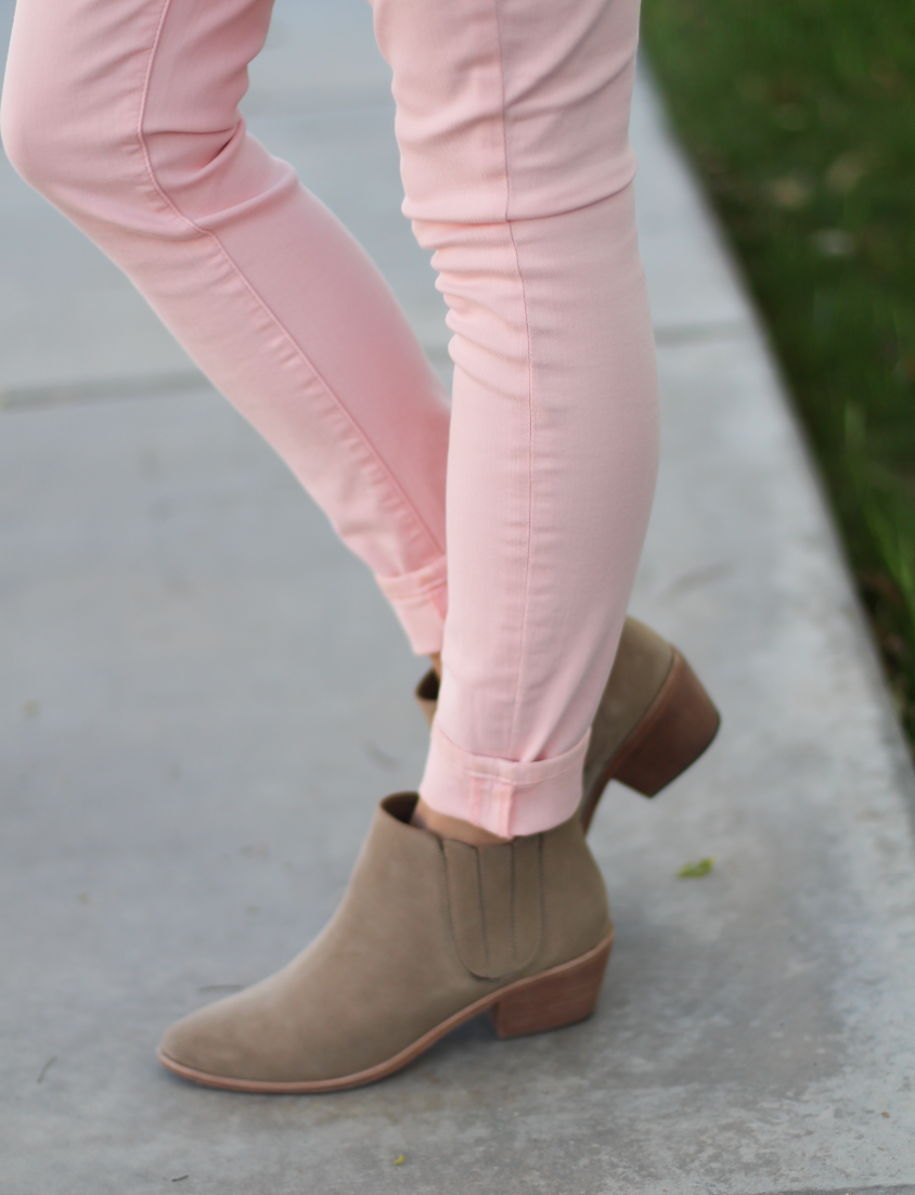 Blush Pink Skinny Jeans, Grey Scoop Neck Tee, Tan Suede Booties, Cognac Leather Tote, 7 for All Mankind, Banana Republic, Joie, Madewell 11