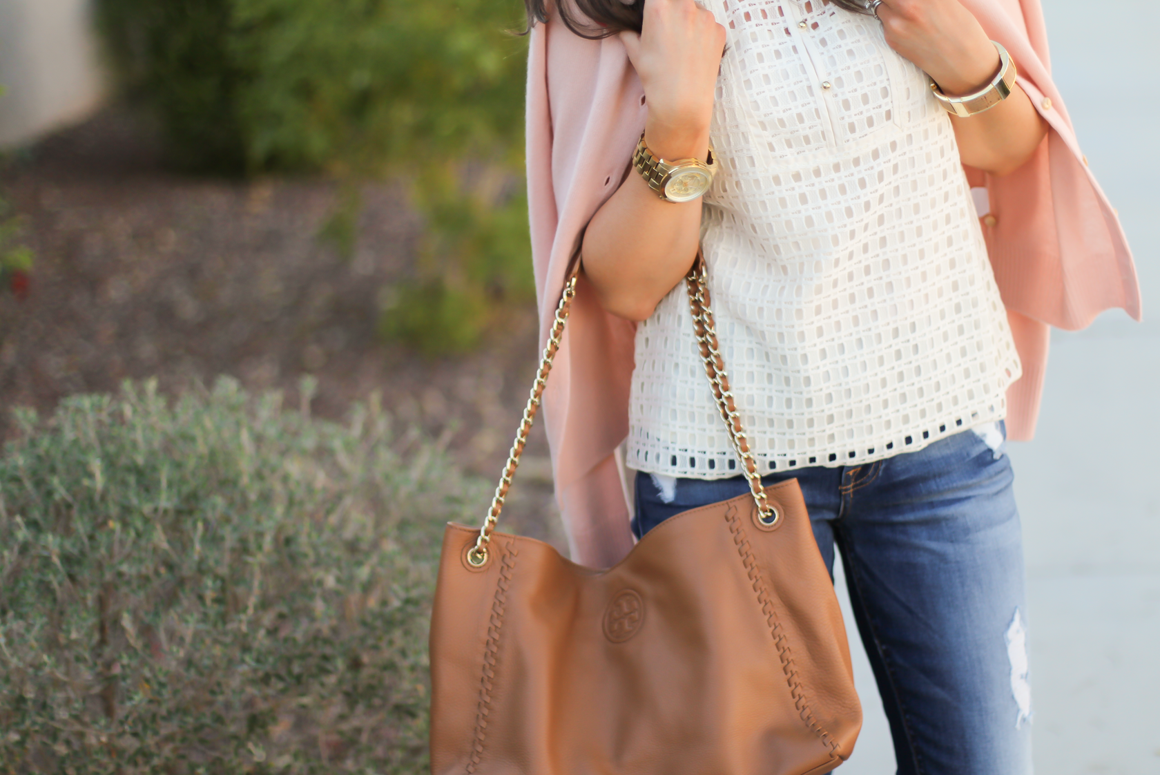 Eyelet Ruffle Sleeve Blouse, Distressed Skinny Jeans, Blush Cashmere Cardigan, Tan Leather Flats, Tan Leather Chain Strap Tote, Banana Republic, 7 for All Mankind, Tory Burch 10