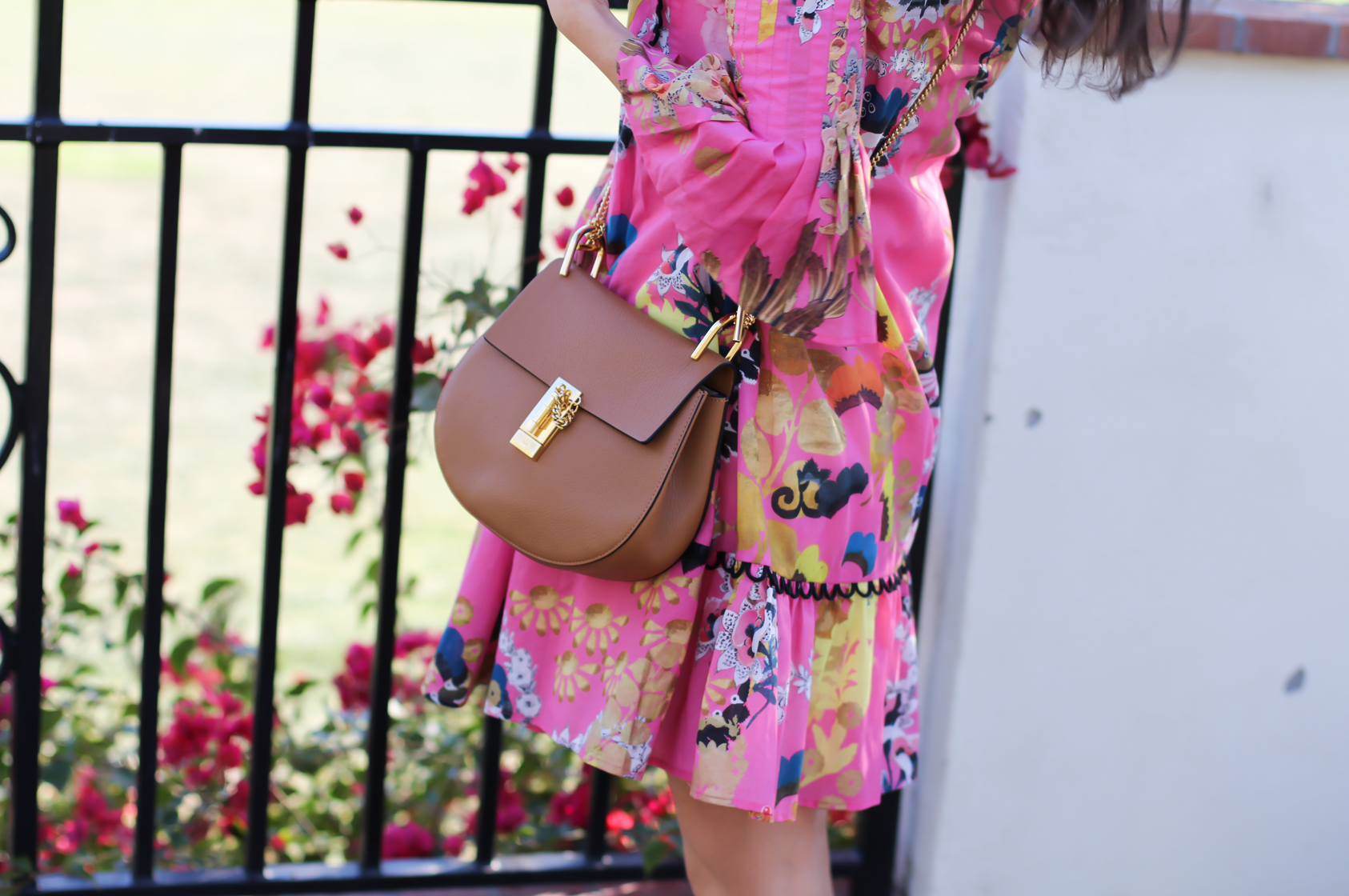 Pink Pintuck Floral Print Dress, Gladiator Sandals, Brown Leather Chain Strap Crossbody Bag, Cynthia Rolwey, Stuart Weitzman, Chloe