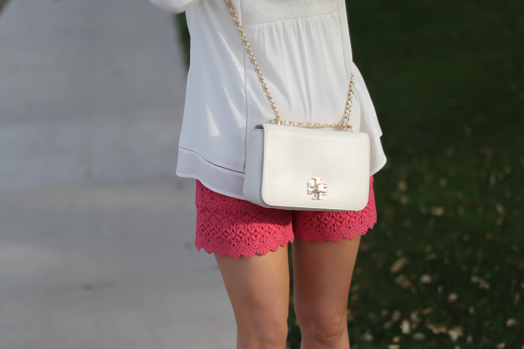 Coral Lace Shorts, Ivory Bib Blouse, Tan Espadrille Sandals, Ivory Chain Strap Bag, Loft, Banana Republic, Seychelles, Tory Burch 12
