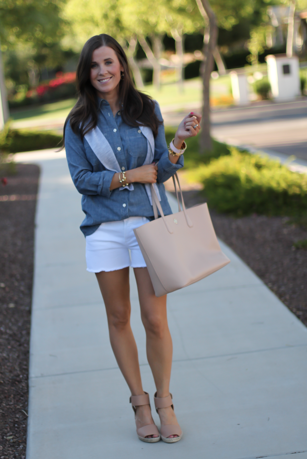 Chambray Shirt, White Cutoff Shorts, Beige Espadrille Wedges, Beige Tote, Grey Cashmere Cardigan, J.Crew, Citizens of Humanity, Vince, Tory Burch 10