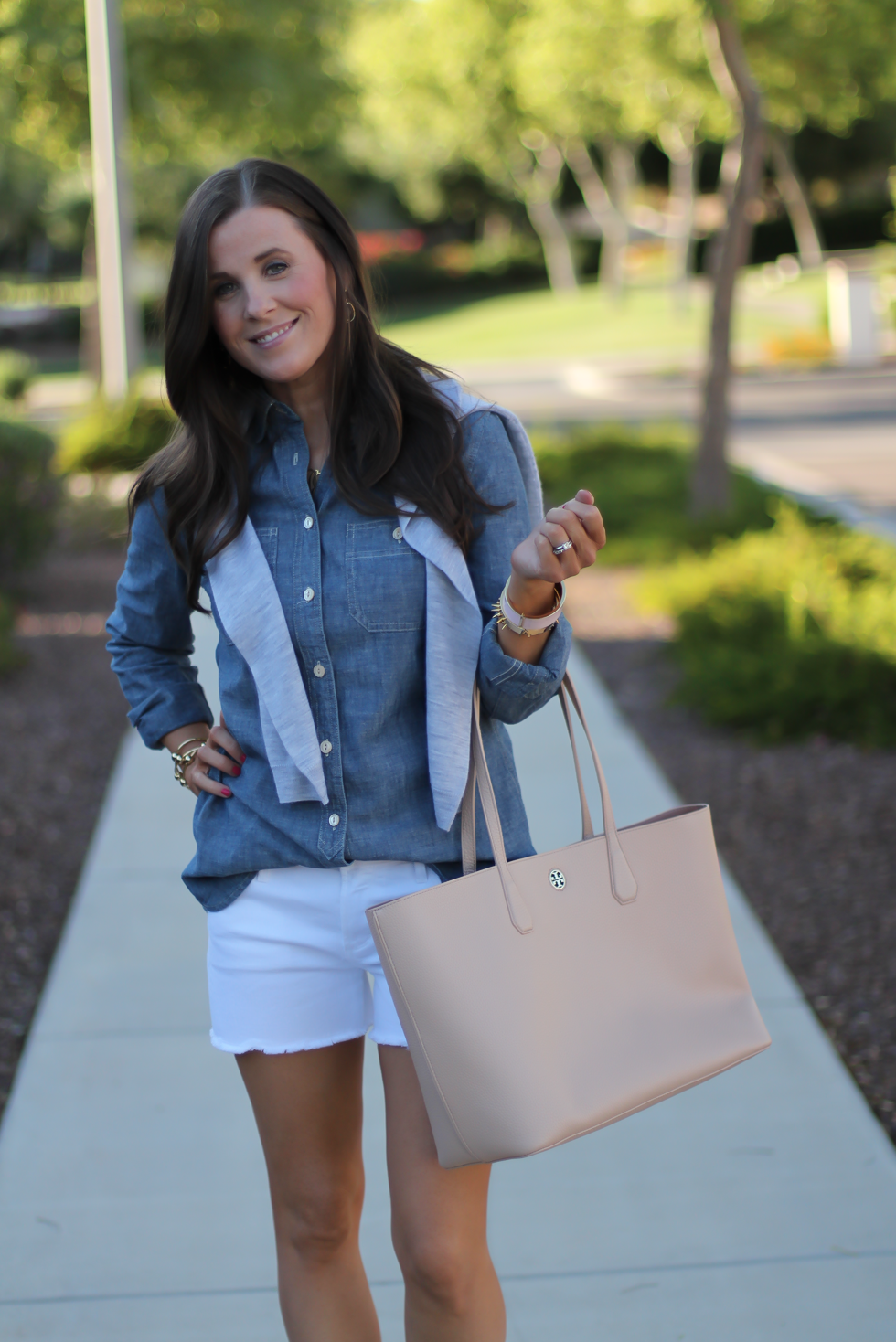 Chambray Shirt, White Cutoff Shorts, Beige Espadrille Wedges, Beige Tote, Grey Cashmere Cardigan, J.Crew, Citizens of Humanity, Vince, Tory Burch 12