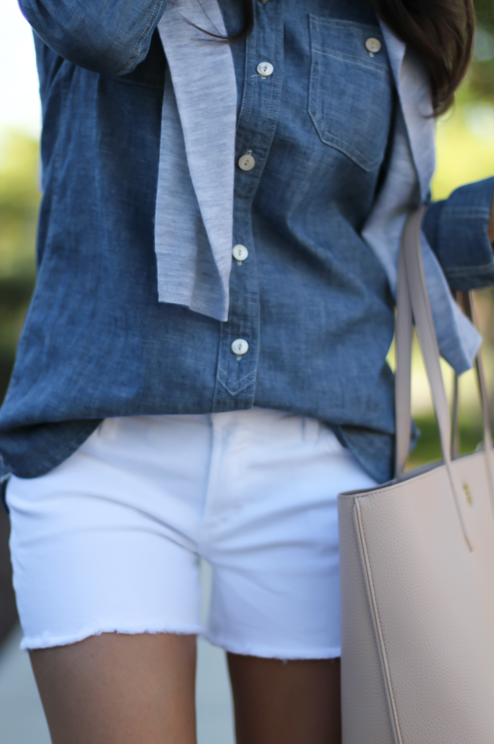 Chambray Shirt, White Cutoff Shorts, Beige Espadrille Wedges, Beige Tote, Grey Cashmere Cardigan, J.Crew, Citizens of Humanity, Vince, Tory Burch 19