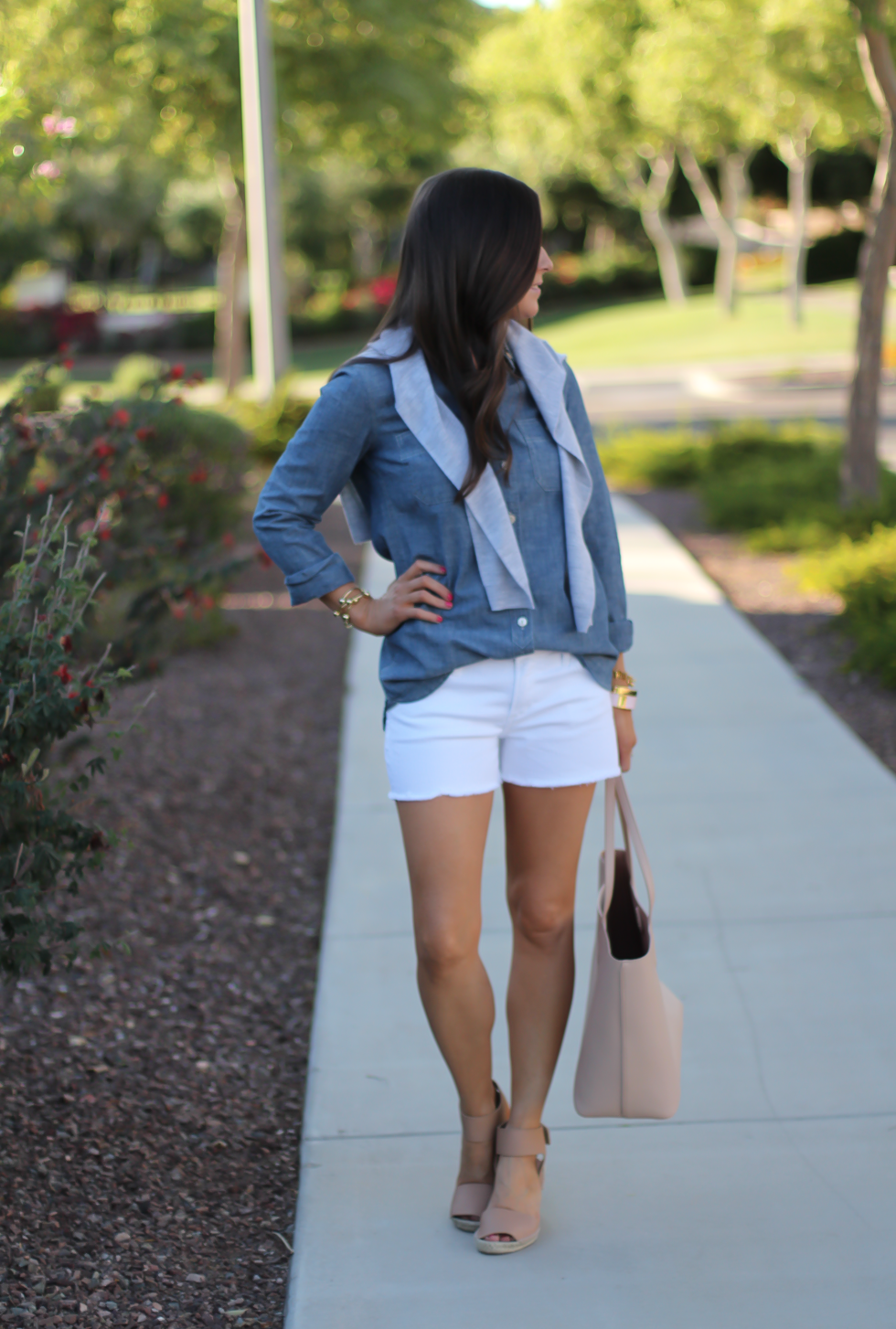 Chambray Shirt, White Cutoff Shorts, Beige Espadrille Wedges, Beige Tote, Grey Cashmere Cardigan, J.Crew, Citizens of Humanity, Vince, Tory Burch 3