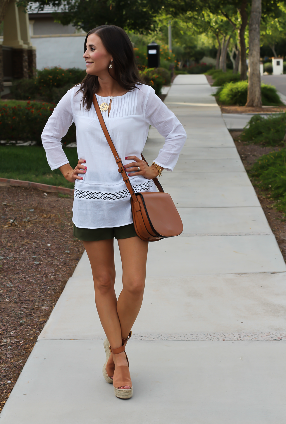 Gauze White Lace Tunic, Green Linen Shorts, Brown Suede Espadrilles, Brown Leather Crossbody Bag, Old Navy, J.Crew, Chloe, Tory Burch 12