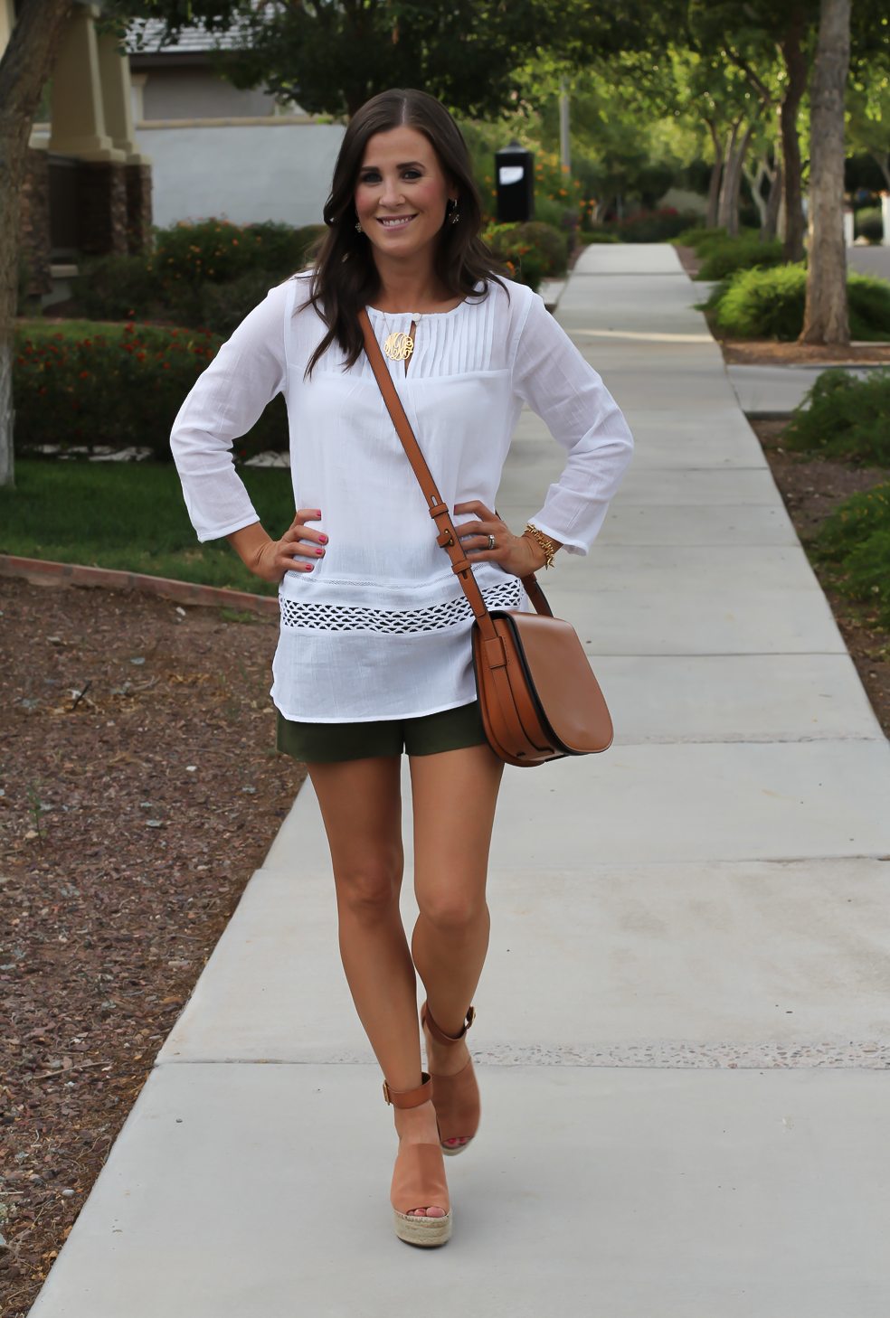 Gauze White Lace Tunic, Green Linen Shorts, Brown Suede Espadrilles, Brown Leather Crossbody Bag, Old Navy, J.Crew, Chloe, Tory Burch 13