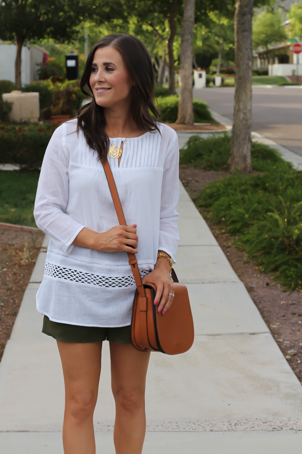 Gauze White Lace Tunic, Green Linen Shorts, Brown Suede Espadrilles, Brown Leather Crossbody Bag, Old Navy, J.Crew, Chloe, Tory Burch 15