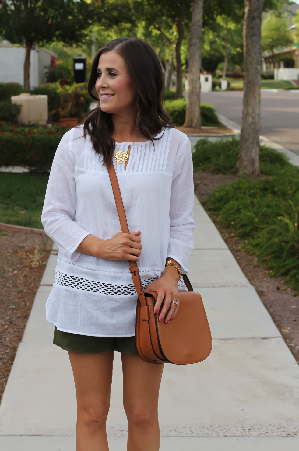 Gauze White Lace Tunic, Green Linen Shorts, Brown Suede Espadrilles, Brown Leather Crossbody Bag, Old Navy, J.Crew, Chloe, Tory Burch 16