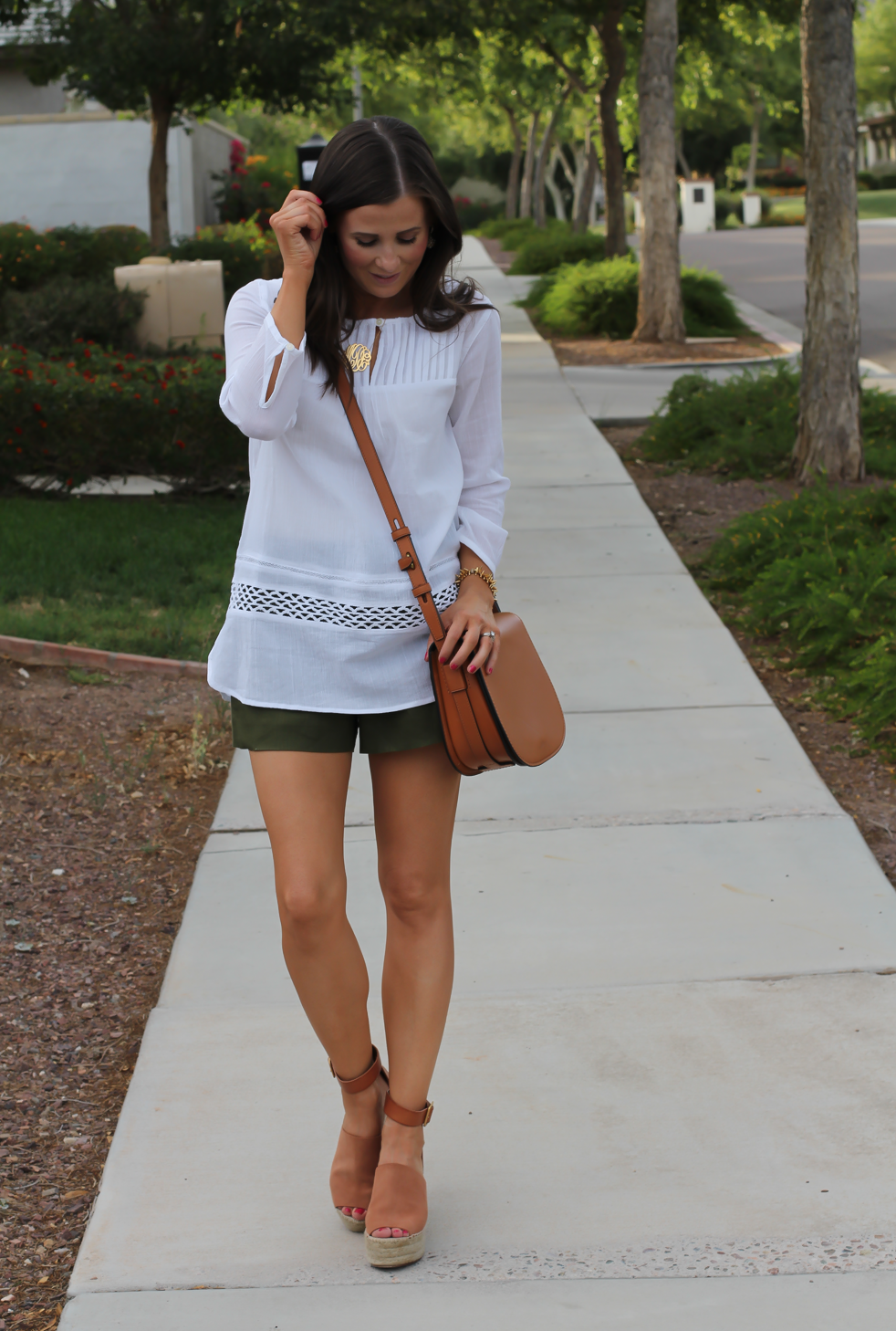 Gauze White Lace Tunic, Green Linen Shorts, Brown Suede Espadrilles, Brown Leather Crossbody Bag, Old Navy, J.Crew, Chloe, Tory Burch 6