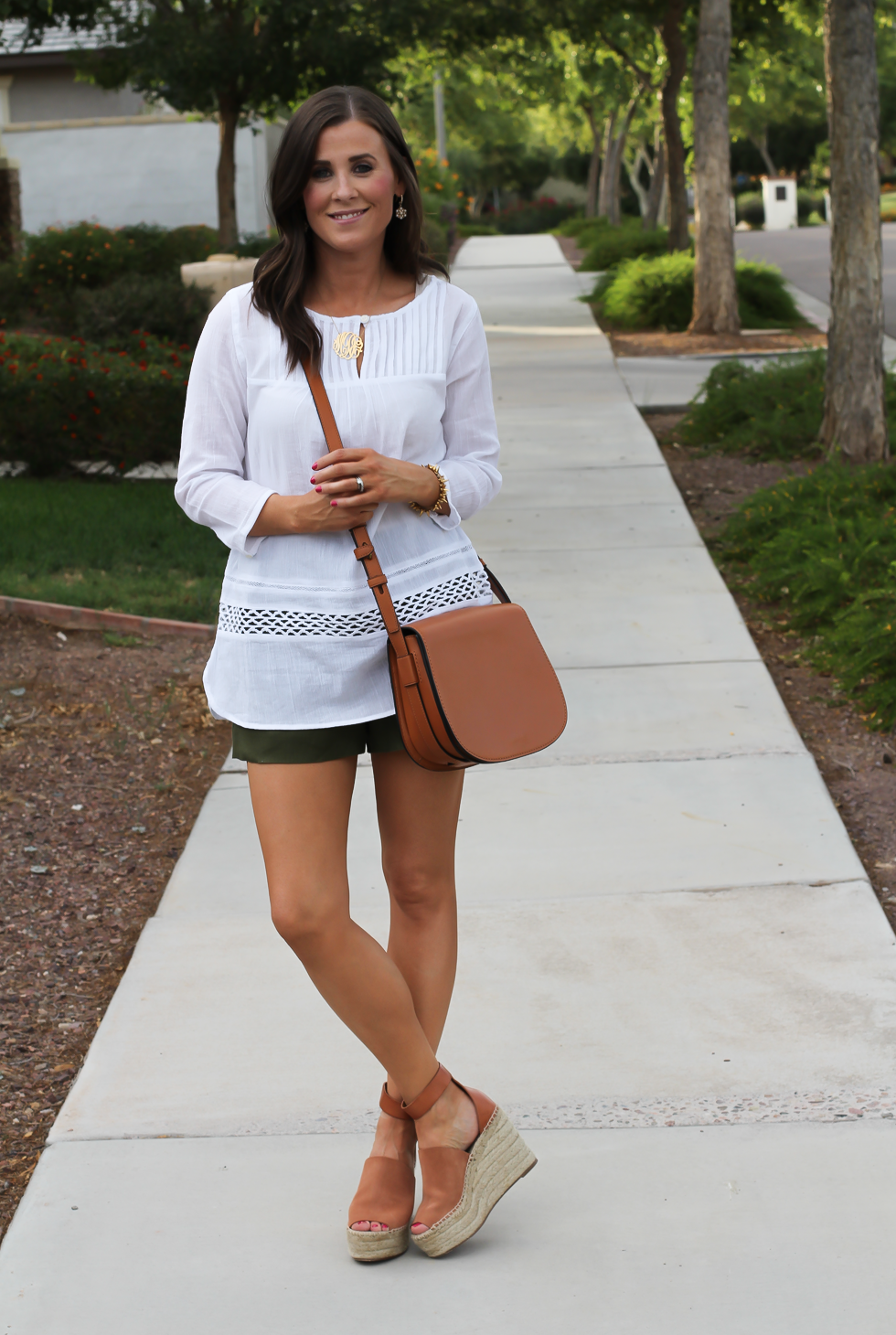 Gauze White Lace Tunic, Green Linen Shorts, Brown Suede Espadrilles, Brown Leather Crossbody Bag, Old Navy, J.Crew, Chloe, Tory Burch 9
