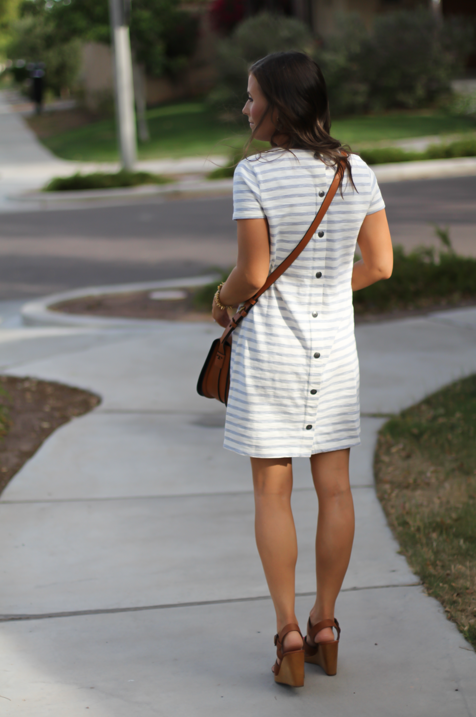 Grey Striped Button Back Short Sleeve Dress, Cognac Leather Wedge Sandals, Cognac Saddlebag, Madewell, Tory Burch 15