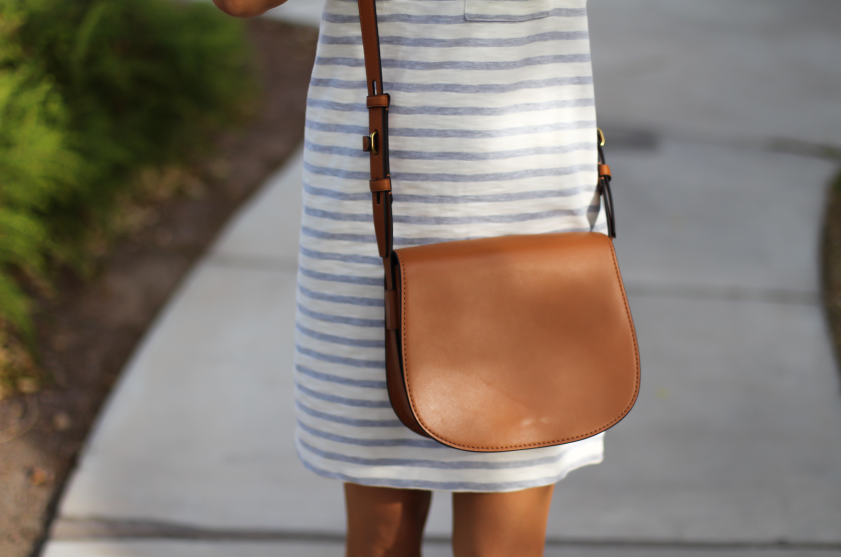 Grey Striped Button Back Short Sleeve Dress, Cognac Leather Wedge Sandals, Cognac Saddlebag, Madewell, Tory Burch 18